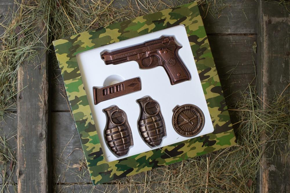 """Подарок на 14 октября мужчине """"набор Пистолет и Гранаты"""""""