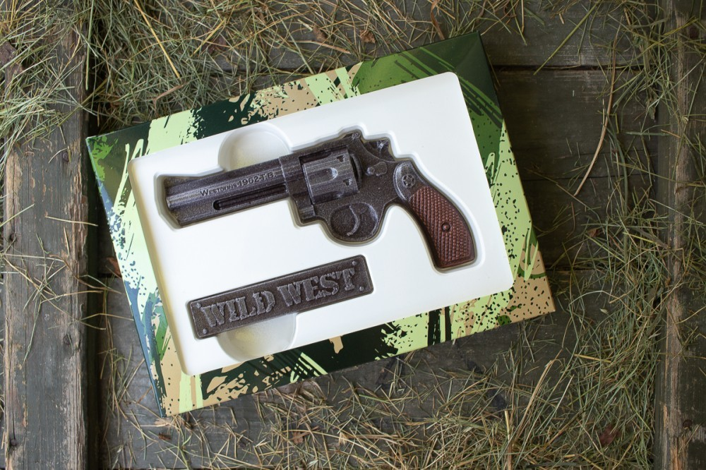 Шоколадный револьвер для мужчин