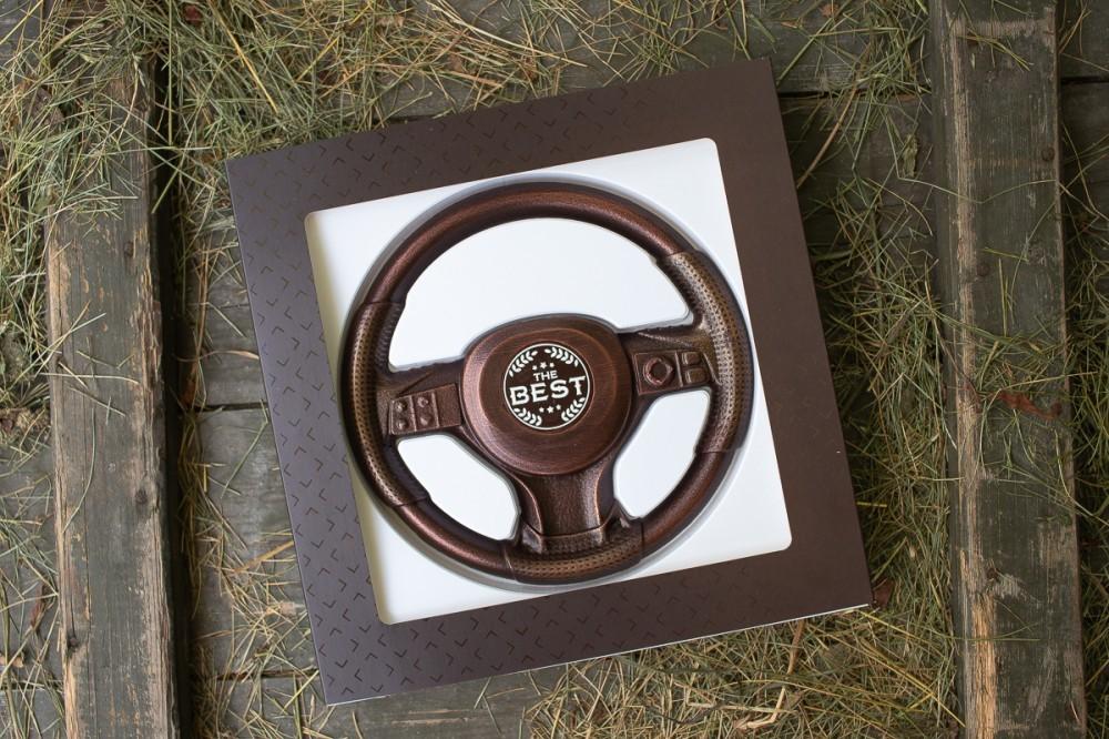 Шоколадная фигурка руль автомобильный