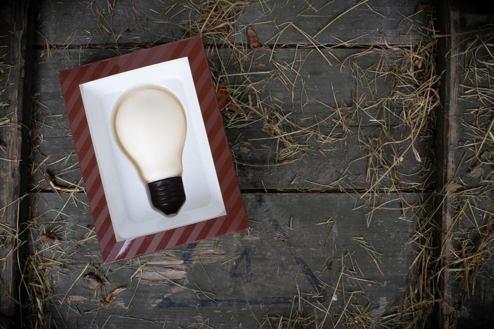 Лампочка из шоколада