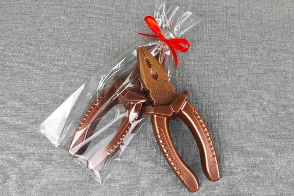 Шоколадные  плоскогубцы
