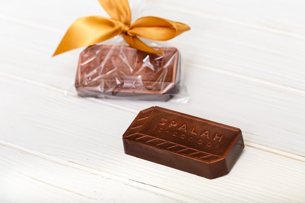 Брендированная шоколадная фигура