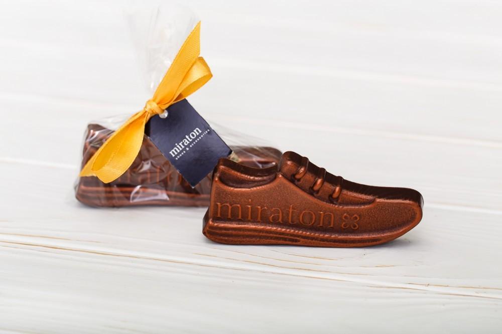 Шоколадный комплимент покупателям обувного магазина