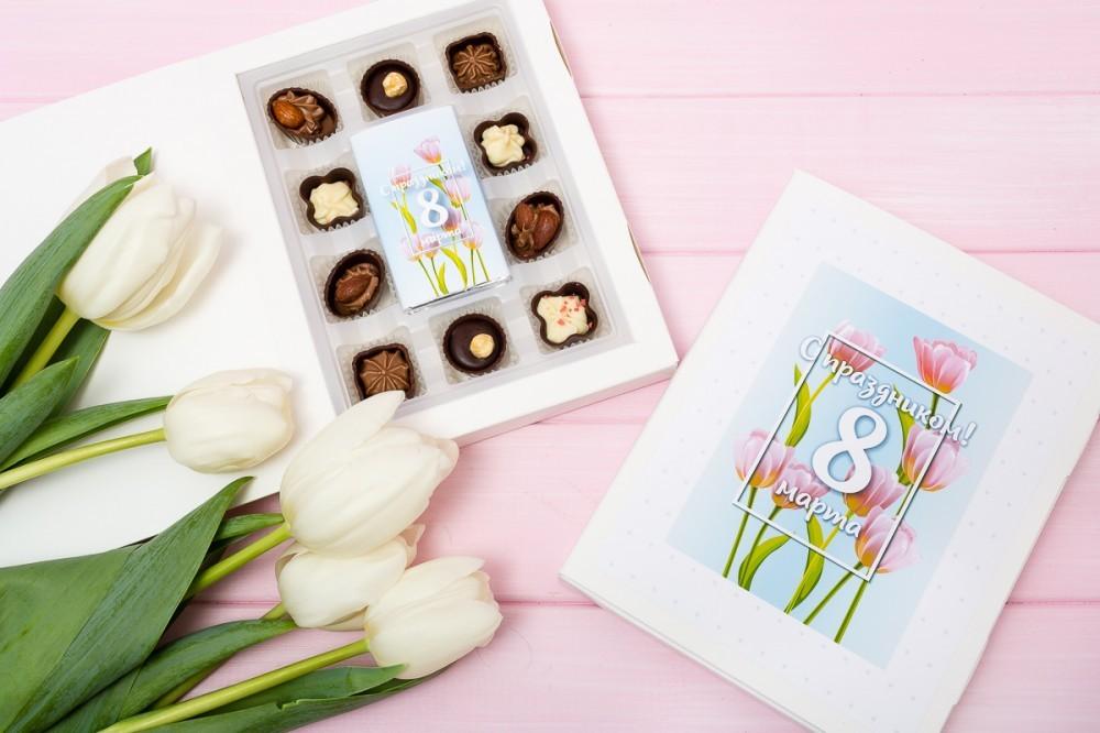 Поздравительная коробка-книга на 8 марта 10+1
