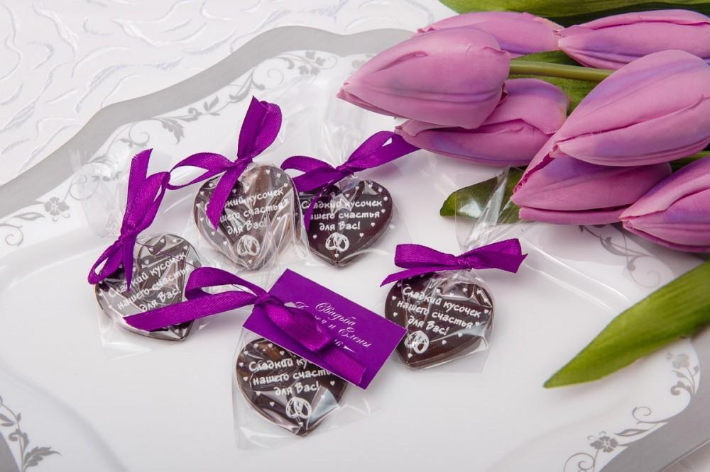Свадебный шоколад в виде сердца