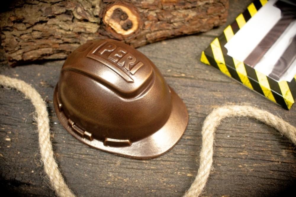 Шоколадные фигуры на заказ Каска