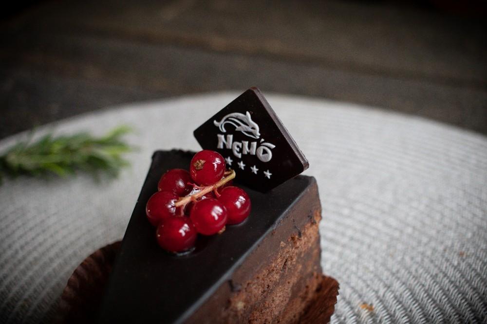 Шоколадная табличка на торт 30*30 мм  (от 200шт)