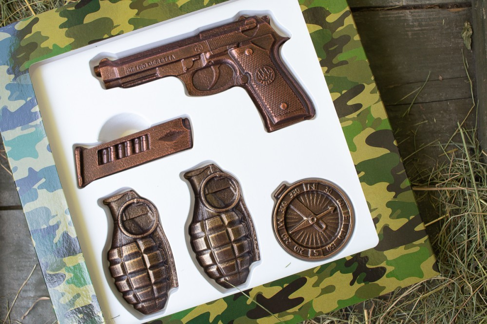 Шоколадное оружие для мужчины