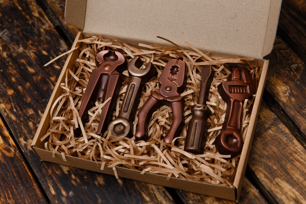 Инструменты ручной работы из шоколада
